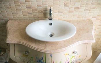 Столешница в ванну из мрамора Крема Марфил