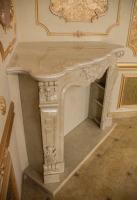 Портал для камина из мрамора крема марфил