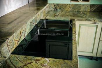 Столешница для кухни из зеленого мрамора