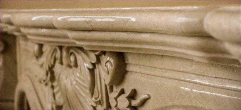 Камин из мрамора Крема Марфил